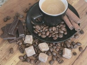 cocoa-powder-in-coffee-health-benefits-featured-image