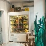 how-to-clean-refrigerator-with-vinegar-featured-image